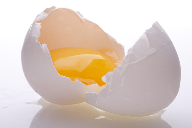 Plama z jajka
