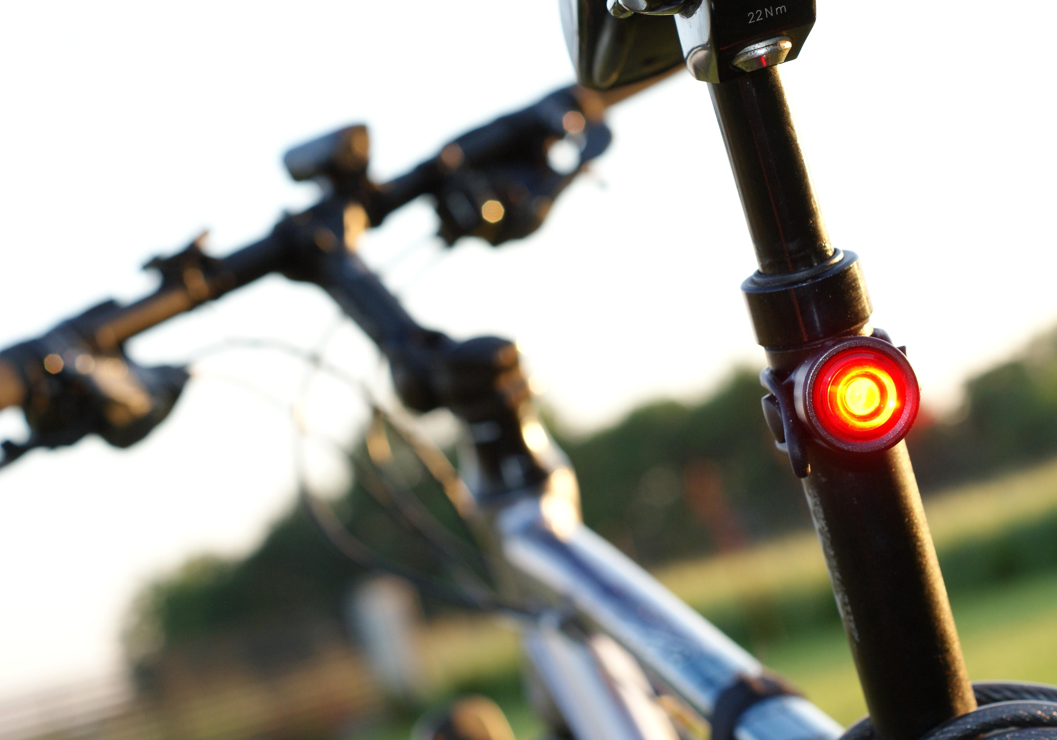 Mactronic Solis Test Zestawu Oświetlenia Rowerowego Fit